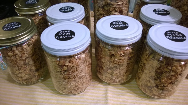 a big batch of granola, jarred up and ready for gifting!